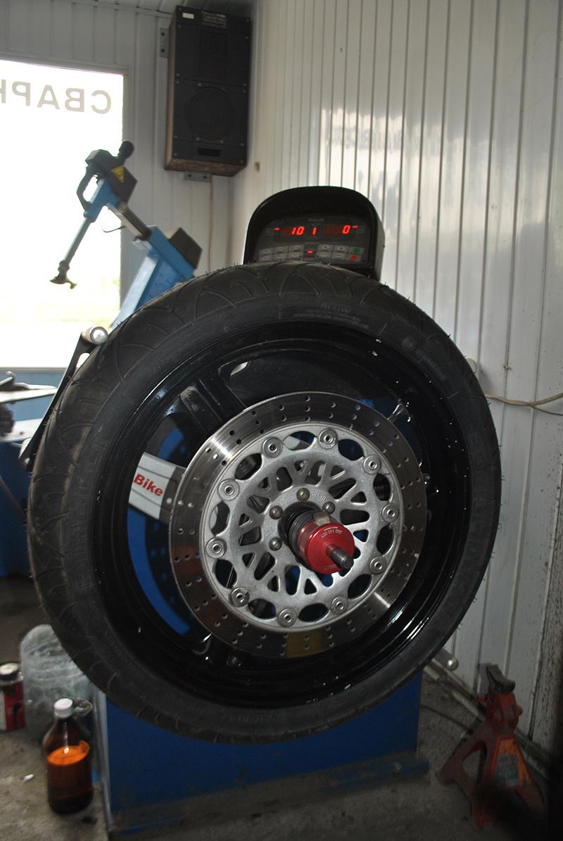 Инструменты для балансировки мото колес